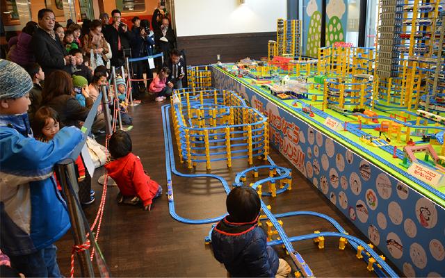 北陸新幹線開業イベント プラレール企画